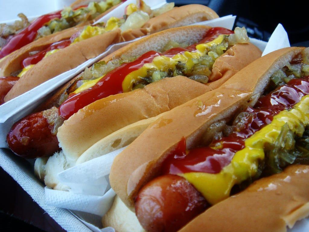 food_hotdog